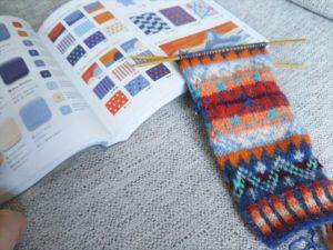 編み物と本