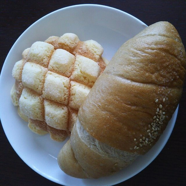 メロンパンと塩バター豆