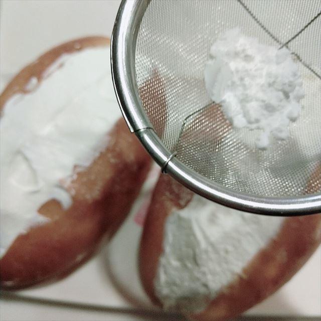 粉砂糖を振る