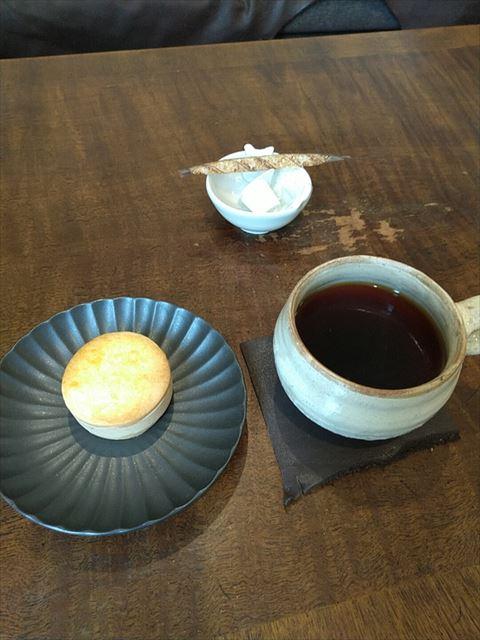 お菓子とコーヒー